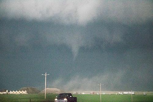 barn tornado