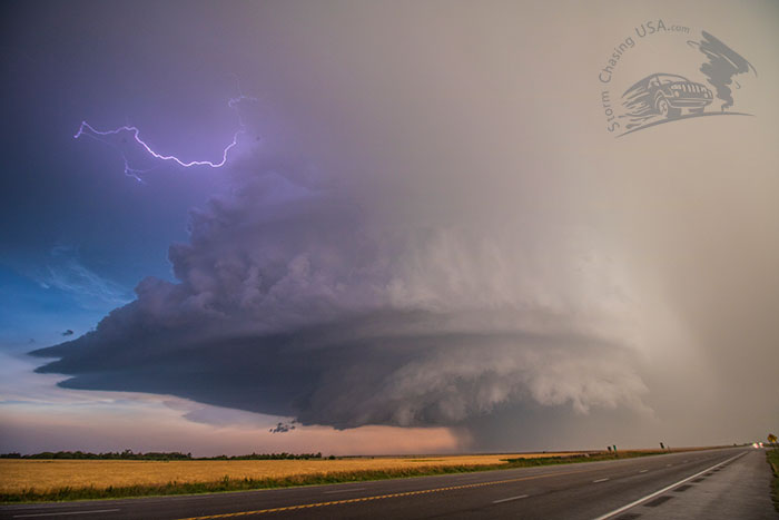 supercell structure lightning