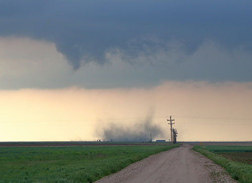 tornado without condensation funnel