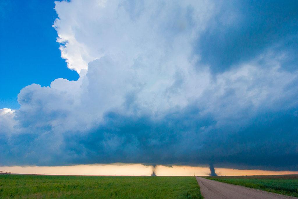 twin tornadoes colorado